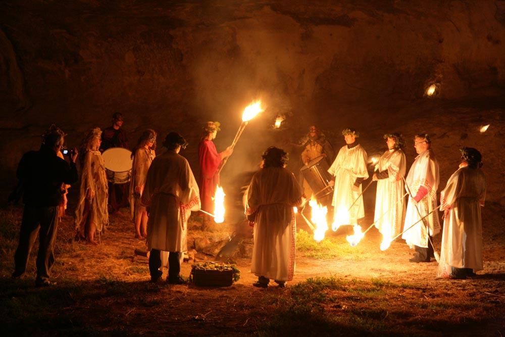 горького дед религиозные праздники в древней греции картинки экспертами они